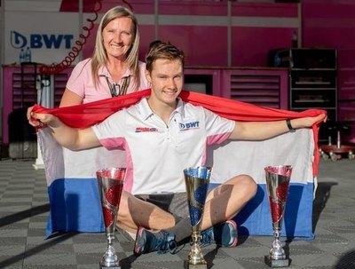 Joshua Duerksen cierra exitoso primer año en la Fórmula 4