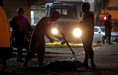 Después del estallido social que dejó 11 muertos, Chile afronta bajo tensión primer día laboral