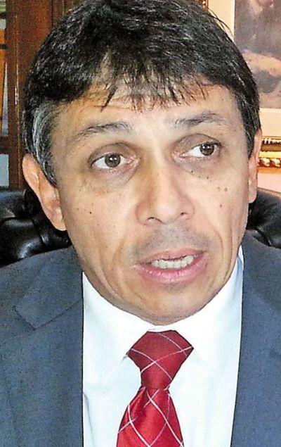 Paciello, abucheado tras presentación de anteproyecto de  colegiación obligatoria de abogados
