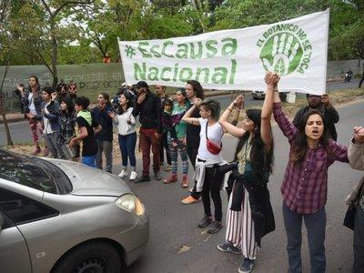 Heridos y detenidos en incidentes por tala de árboles en el Jardín Botánico