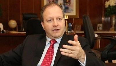 Economista advierte: Contrabando genera aumento del consumo y reducción de la importación