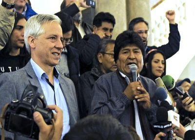 Gana Morales y protesta Bolivia