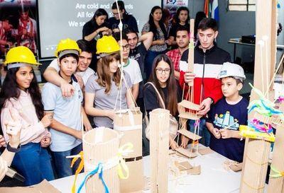 Competencia de robótica para  250 estudiantes
