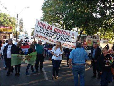 Funcionarios del Registro Civil se movilizan por reajuste salarial