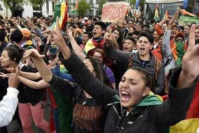 """Evo Morales a punto de ganar reelección en Bolivia, protestas violentas al grito de """"fraude»"""