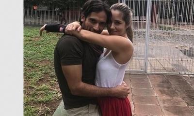 Roque Santacruz compartió una foto junto a su esposa y se mostró romántico