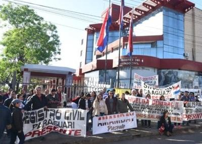 Funcionarios de Registro Civil, a huelga por 30 días