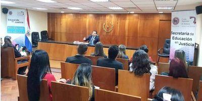 Alumnos de Uninorte conocen función de Sala Constitucional