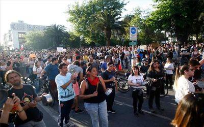 Multitudinarias manifestaciones en la quinta jornada de protestas en Chile