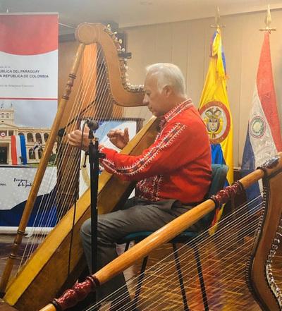 Arpista paraguayo actuó en un festival de Bogotá