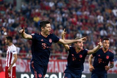Bayern gana con doblete de Lewandowski