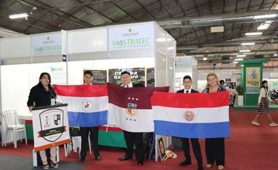 HOY / Estudiantes paraguayos presentan sus proyectos innovadores en feria mundial