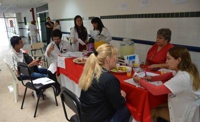 HOY / Mujeres corren mayor riesgo cardiovascular por sedentarismo y obesidad, instan a chequeo anual