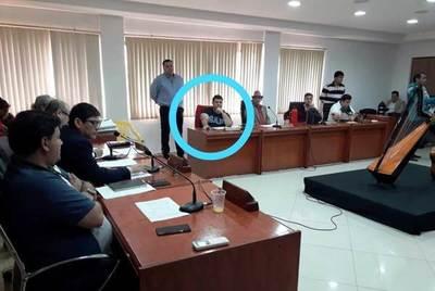 """Hijo de González Daher percibirá G. 20 millones por 8 días de """"trabajo"""" en la Junta Municipal de Luque •"""