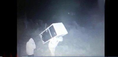 Delincuentes roban una heladera con merienda escolar de una escuelas