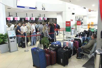 Regresó de España y le dio un infarto al llegar al aeropuerto