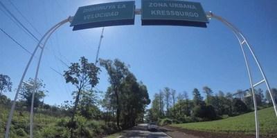 INAUGURAN ASFALTADO TIROL – KRESSBURGO