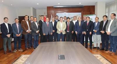Gobernador de Caazapá apoya informatización de rendición de cuentas