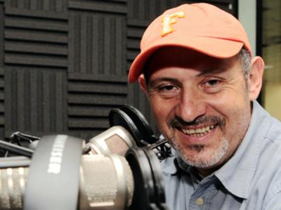 El escritor de la historia oficial de Café Tacvba disertará en CREA+PY
