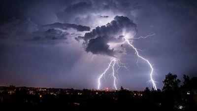 Fotografían por primera vez la formación de una descarga eléctrica gigante