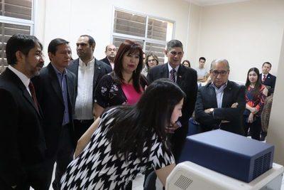Instituto de Investigaciones de la UNA inauguró nuevos equipos tecnológicos