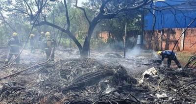 Incendio devora pastizal en predio de Copaco •