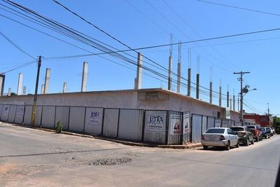 Obras en mercado municipal de Santaní están paralizadas
