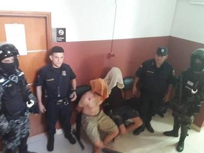 HOY / Vecinos buscan y detienen a moquete a motochorros que mataron a joven en Luque