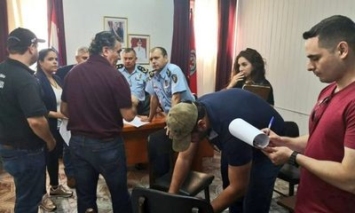 Veinte policías detenidos por proteger a narcotraficante