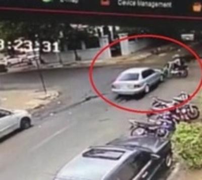 Imprudencia al Volante: Chocó a motociclista y huyó