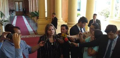 """Lilian sostiene que """"no existe fuerza"""" para un juicio político a Marito"""