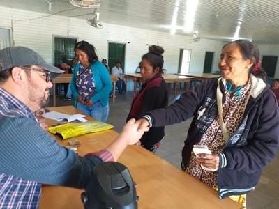 Gobierno promueve la inclusión socioeconómica con asistencia a familias indígenas del Chaco