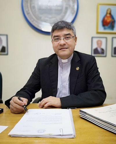 Cuestionado rector de la UC es el nuevo presidente del Cones