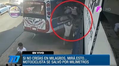 Bus fuera de control causa gran susto en San Lorenzo