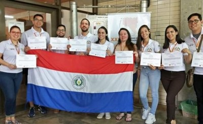 UNE conquista 9 premios en la Jornada de Jóvenes Investigadores