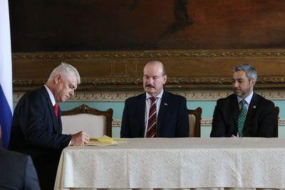 Firman contrato para construcción de Costanera Sur
