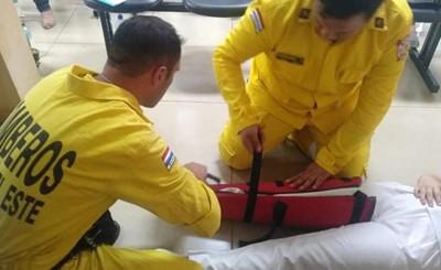 Personal de ambulancia se capacita en primeros auxilios y RCP