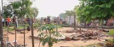 Desalojo pacífico de cerca de 80 familias de un predio en Luque
