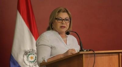 Ministra de la mujer dice que no es corrupta y puede justificar todo lo que tiene