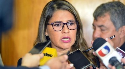 Guardiacárceles pidieron renuncia de viceministra de Política Criminal