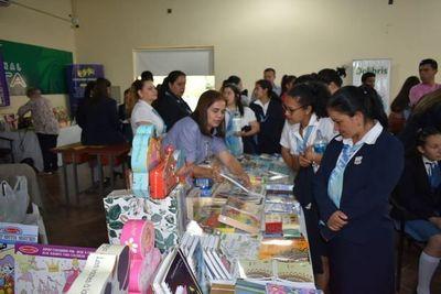 Habilitan feria internacional del libro y fiesta de la educación en Ayolas