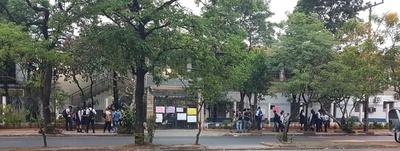 Estudiantes toman el Colegio Stella Maris y exigen la destitución del director y de los miembros de la ACE