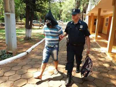 Atrapan a personal policial con vehículo denunciado como robado en Brasil