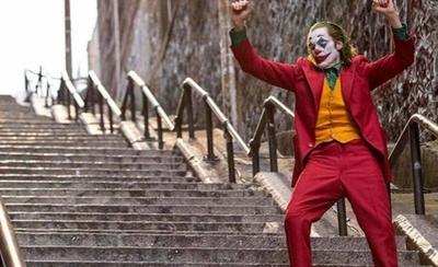 """HOY / Las escaleras del """"Joker"""", la nueva y polémica atracción en Nueva York"""