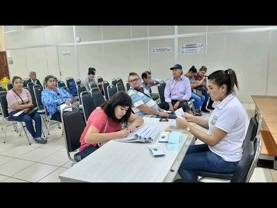 CONVENIO MEC-EBY: DOCENTES COBRAN SUS SALARIOS