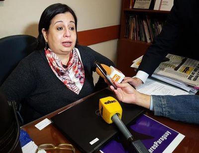 MEC: Petta tiene que responder a las críticas sobre declaración jurada, dice senadora Esperanza Martínez