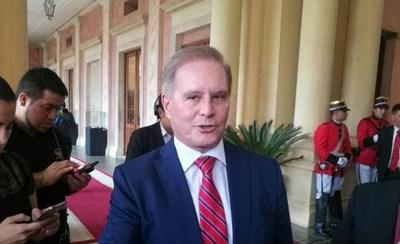 """En """"aclaración"""" de viajes al exterior, ministerio de Durand revela que viola ley de transparencia desde hace un año"""