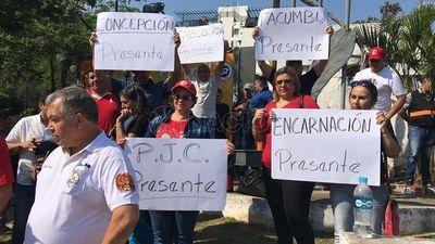 Funcionarios penitenciarios y del Registro Civil se movilizan por reivindicaciones