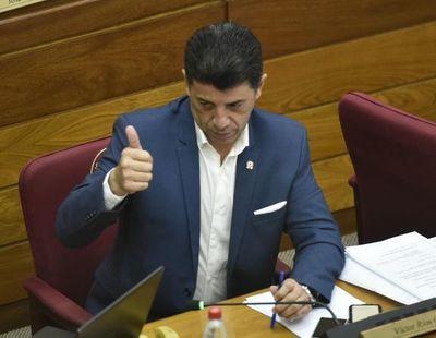 """Víctor Ríos teme """"consecuencias políticas exageradas"""" tras polémica por declaraciones juradas"""