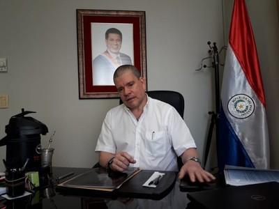 Miguel Cuevas tiene que pagar con sus huesos en la cárcel si es que cometió algún tipo de delito, dice senador